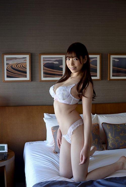 香山美桜美巨乳おっぱい画像c27