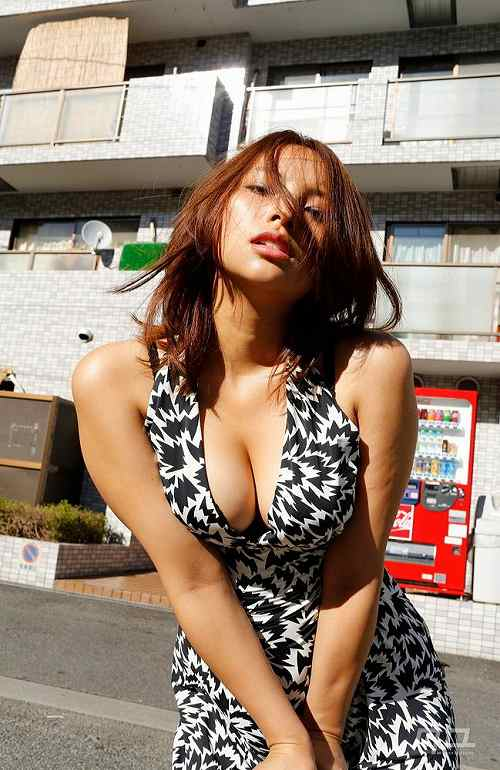 水崎綾女巨乳おっぱい画像c08