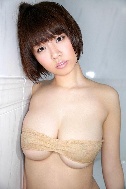 菜乃花美爆乳おっぱい画像b51