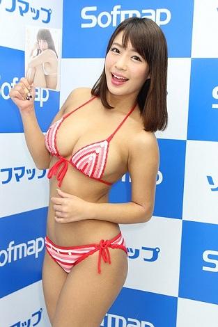 橋本梨菜巨乳おっぱい画像b38