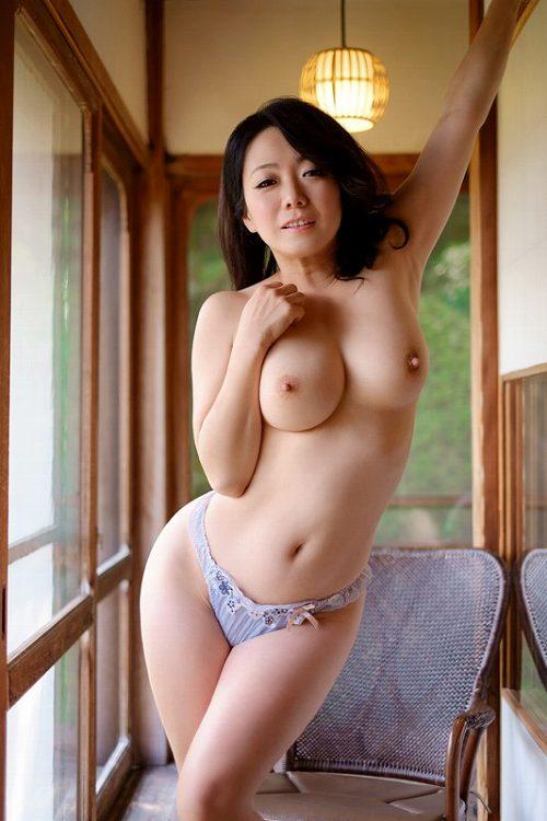 和泉紫乃画像