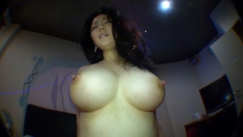 和泉紫乃美巨乳おっぱい画像a10