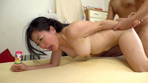 和泉紫乃美巨乳おっぱい画像a21