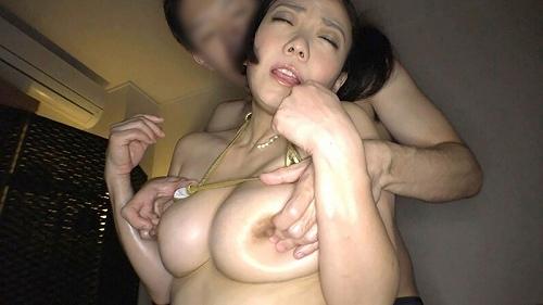 和泉紫乃美巨乳おっぱい画像a32