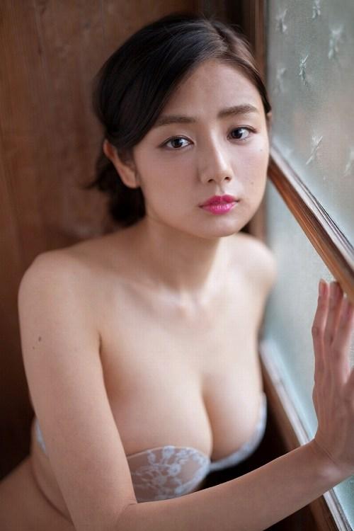 片山萌美巨乳おっぱい画像b37