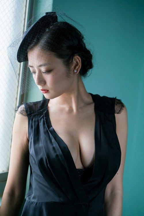 片山萌美巨乳おっぱい画像b43
