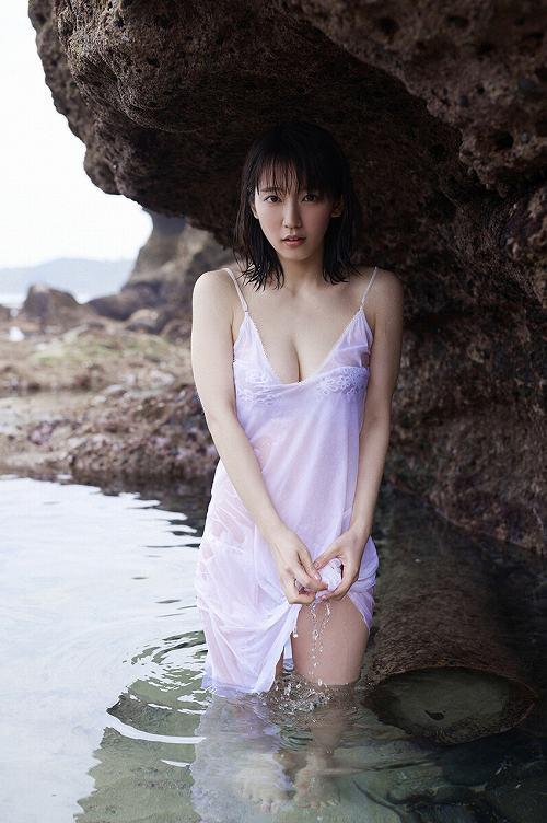 吉岡里帆巨乳おっぱい画像c26