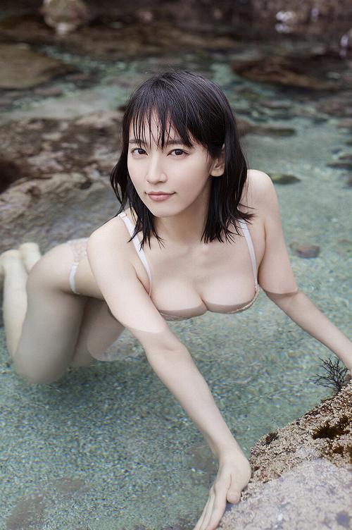 吉岡里帆巨乳おっぱい画像c29