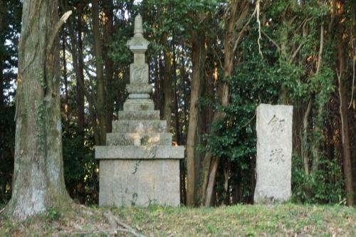 5剣塚 (1200x800)