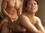 ダイスキ!人妻熟女動画 : 五十路の肉感ボディ熟女が緊縛されたままバックから突かれイキまくる! 愛矢峰子