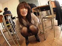 【無修正】思春期の男の子には刺激的な好色女教師