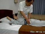 本日の人妻熟女動画 : 【素人】仰向けに寝て下さい!マッサージ師のモノを見たOLが・・・♪