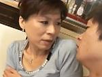 ダイスキ!人妻熟女動画 : 夫の帰りが遅いのでオナニーしてたら息子に見つかってセックスしちゃう五十路母