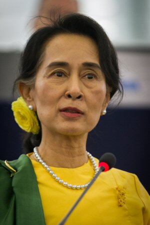 01 300 Aung San Suu Kyi