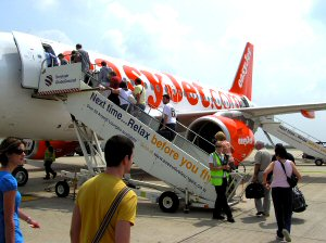01 300 Low-cost carrier