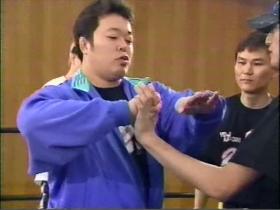 安生手首固めをTOKIOに伝授