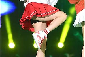【エロ画像お宝】ミニスカート履いてお尻をチラチラ魅せながら踊るAOA