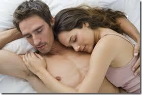 【夜の夫婦生活;海外編】絆と愛を深めるハグのエロ画像13