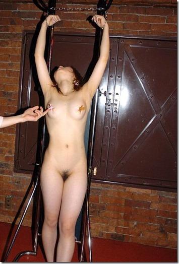 おめかしをして縛られて・・人妻緊縛画像14