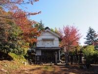 秋が深まる蔵座敷