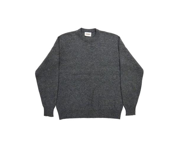 sweatergrpl01.jpg