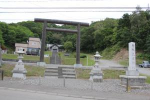 10187三石神社300