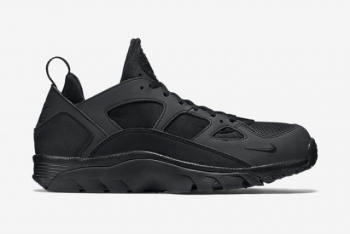 NIKE-AIR-TRAINER-HUARACHE-BLACK-OUT2-640x427.jpg