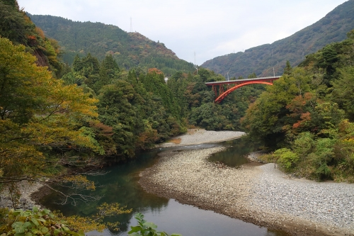揖斐川川上り 県道40号線から望む橋と揖斐川
