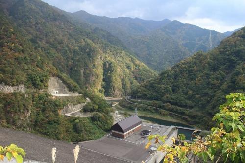 揖斐川川上り 徳山ダム下流側