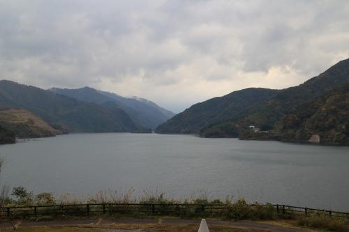 揖斐川川上り 徳山会館から望む徳山湖