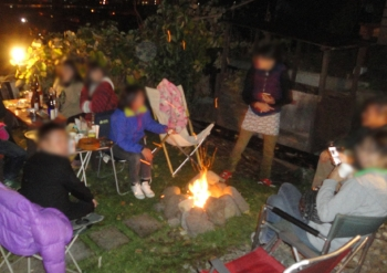 201510 たき火を囲んで宴会