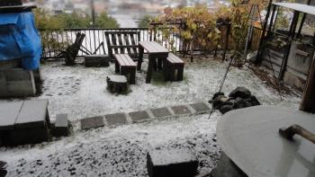 20151025 庭の雪景色