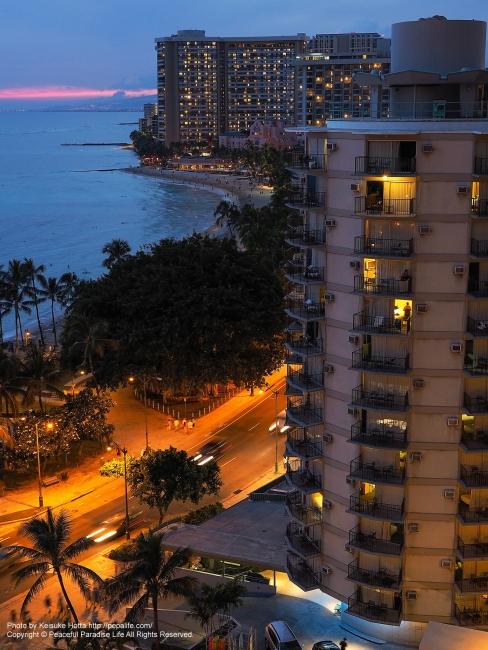 ハワイの夕暮れ(海側)