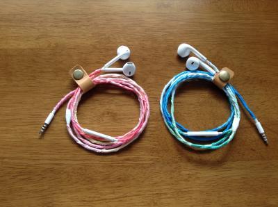 刺繍糸イヤホン コードクリップ 2