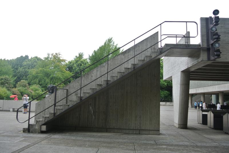 国立西洋美術館階段