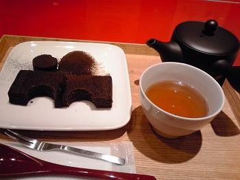 コレド日本橋・ほうじ茶カステラ