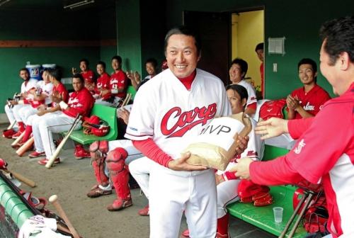 【カープ】松山アピール打!新井、エルドに挑戦状 カープ「4番争い」が熱くなる?
