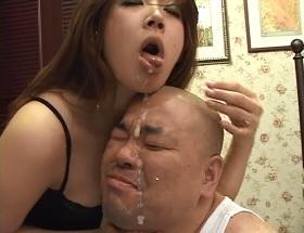 強いオンナの娘が弱いオトコに強制手コキ22