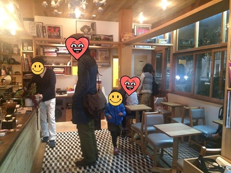 コーヒー屋店内