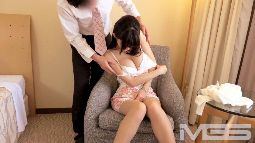 今井初音 28歳 ホテル従業員 04