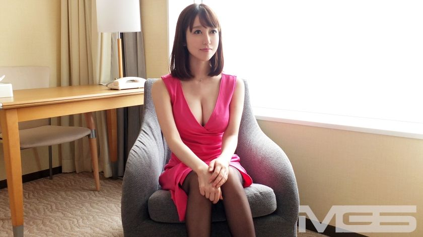 高木早希 26歳 社長秘書 04