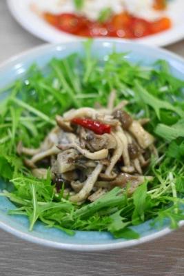 キノコのマリネと水菜のサラダ