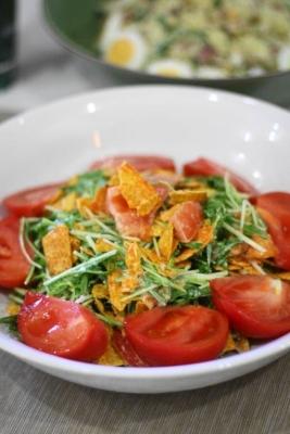 水菜とトマトのシーザーサラダ