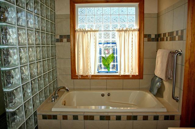 bathtub-54587_640.jpg