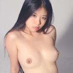 美乳なアジアン美女のヌード画像