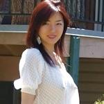 アジア美女が街中で透け乳首してる画像