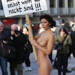 女性が全裸でドイツ・ケルンの集団性犯罪に対し抗議