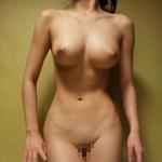 美巨乳ナイスボディな素人女性のヌード画像