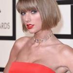 Taylor Swift(テイラースイフト) 第58回グラミー賞のセクシー衣装