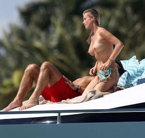 Joanna Krupa(ジョアンナ・クルパ) ビキニ&トップレス画像 8